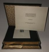 K.u.K. MILITÄR-POST IN BOSNIEN-HERZEGOWINA AUSGABE 1906, komplette Vorlage-Kassette aller 16 Werte sowie der 5 dazugehörigen Ganzsachen, einzeln auf Karton mit Passepartout in Goldschnitt in zugehöriger Schatulle ATTEST Soecknick