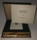 """K.u.K. MILITÄR-POST IN BOSNIEN-HERZEGOWINA AUSGABE 1906, komplette Vorlage-Kassette aller 16 Werte sowie der 5 dazugehörigen Ganzsachen, einzeln auf Karton mit Passepartout in Goldschnitt in zugehöriger Schatulle ATTEST Soecknick """"echt und einwandfrei"""" DB"""